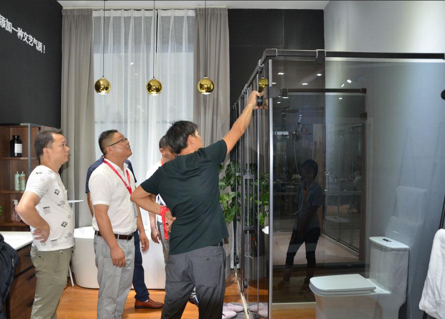广东安全淋浴房生产厂家,金柏丽雅卫浴全国招商加盟
