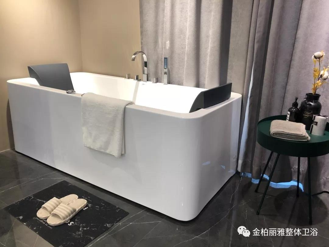 家里装浴缸实用吗?泡澡有助于改善睡眠质量